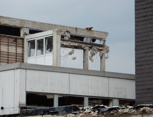 Das alte Hauptgebäude verschwindet – Aktuelle Bilder