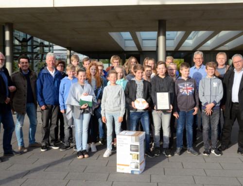 Achtklässler sammeln mehr als 300 Handys für einen guten Zweck