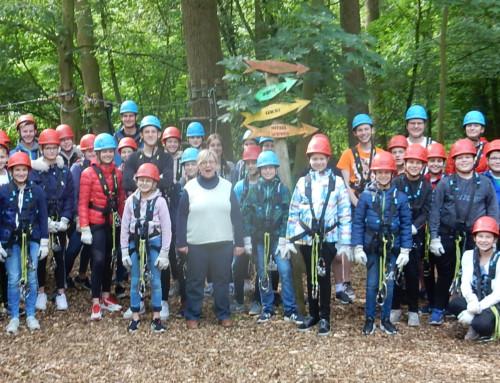 Schülervertretung besucht Kletterpark