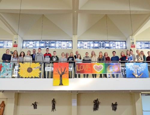 Mutmachende Bilder in der Kapelle des Josephshospitals – Schüler präsentieren Ausstellung