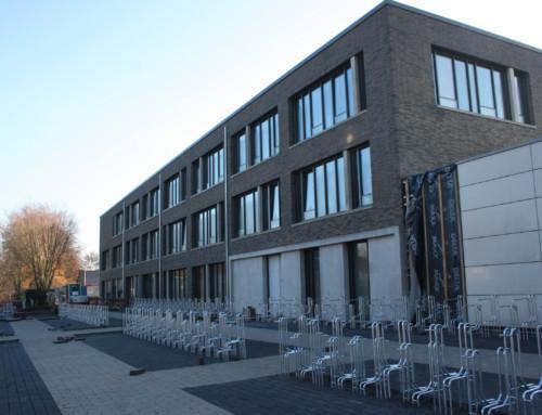 Neubau des Hauptgebäudes kurz vor der Vollendung