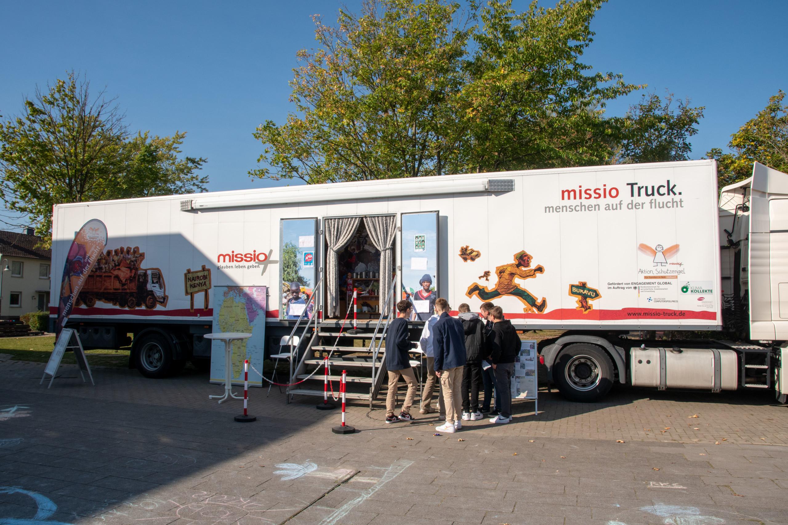 """""""missio-Truck"""" macht Station an der BRS"""